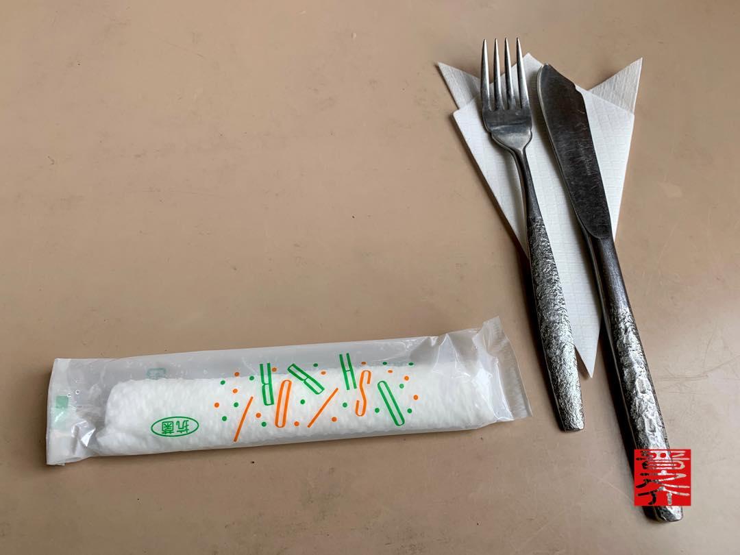 オーマイキッチンこも ナイフとフォーク