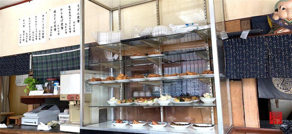 アサヒ食堂 ガラスケース