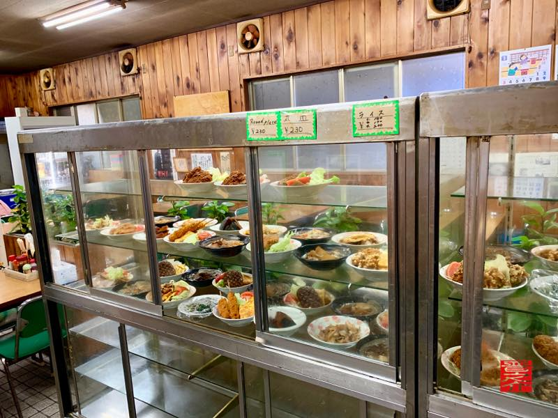 トヨタ屋食堂 ガラスケース