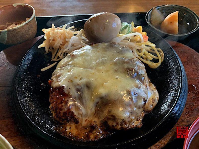 ジャンボチーズハンバーグ定食