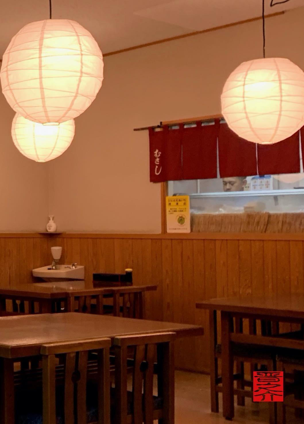 寿司むさし店内