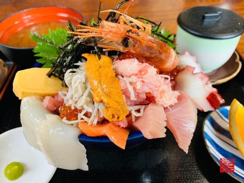 活魚料理つれづれ北海道丼