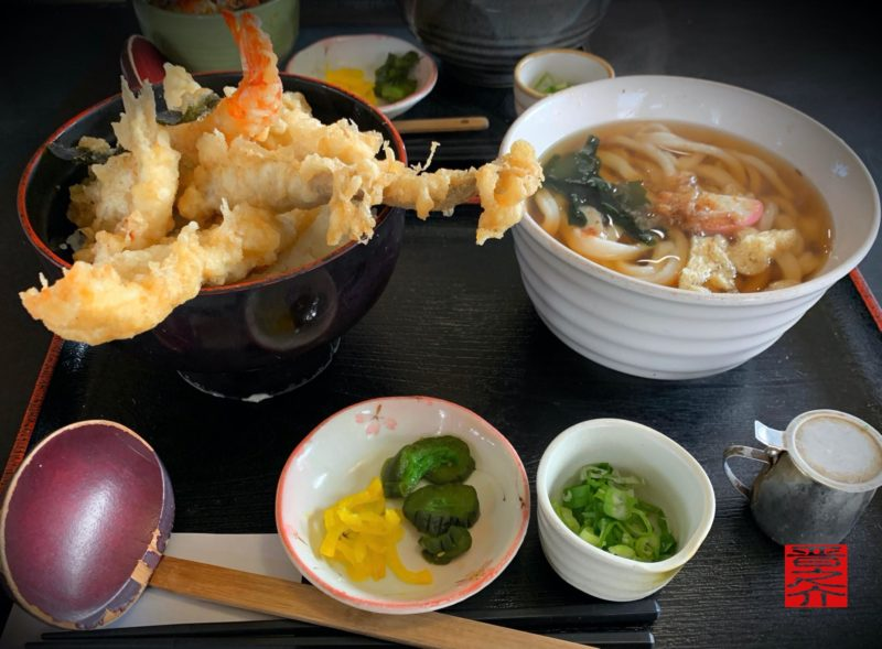 海鮮天丼ペア(イカ・キス・あなご・エビ)1,300円