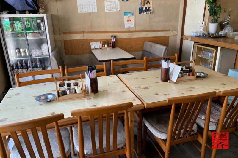 大智食堂4人テーブル2