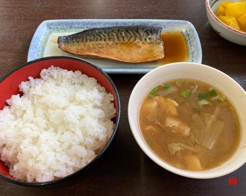 お食事処ひふみ鯖味噌煮定食