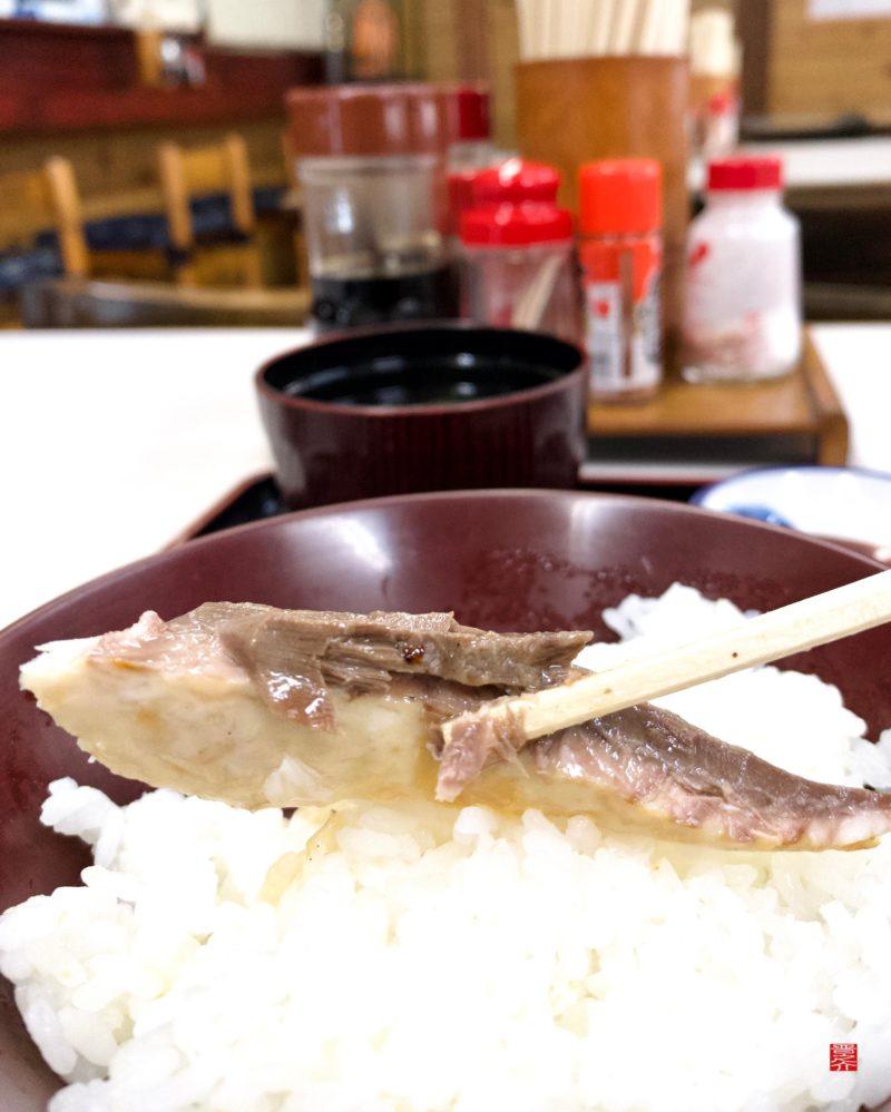 青山食堂塩サバ2