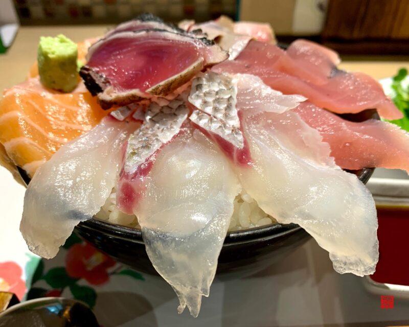彩花亭海鮮丼3