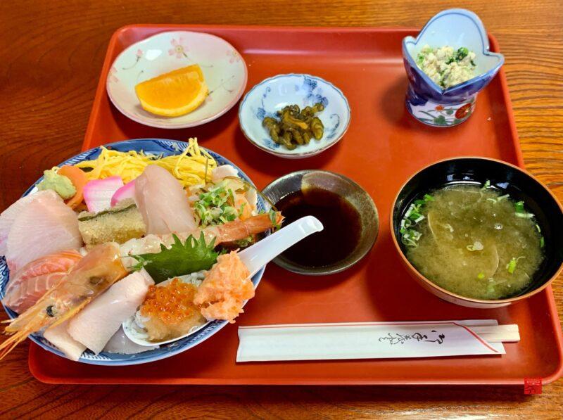 魚春海鮮丼