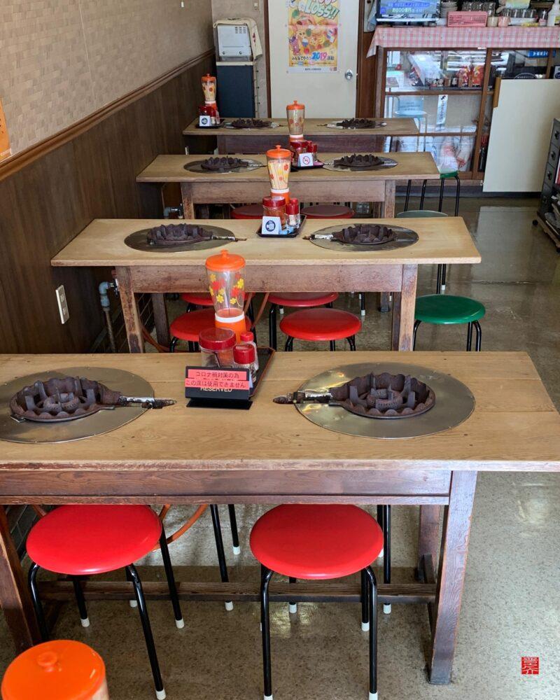 ありらん食堂テーブル